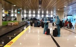 """Chuyến bay đầu tiên thí điểm """"Hộ chiếu vắc-xin"""" đã hạ cánh tại sân bay Vân Đồn"""
