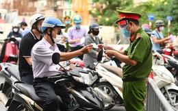 Thủ tướng yêu cầu Hà Nội điều chỉnh bất cập việc cấp giấy đi đường