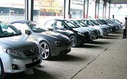 Ô tô nhập khẩu nguyên chiếc giảm giá 'sốc'