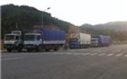 Hàng lậu vượt cửa khẩu Cầu Treo: Tự mở đường để... chuyển hàng