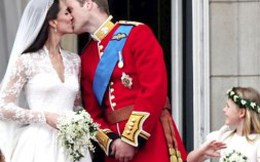 Nước Anh chào đón cậu bé Hoàng gia