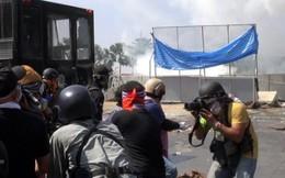 Thái Lan: Người biểu tình xông vào văn phòng chính phủ