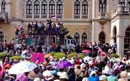 Biểu tình Thái Lan: Vào dinh thủ tướng để ... chụp hình
