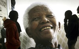 Cựu Tổng thống Nam Phi Nelson Mandela qua đời ở tuổi 95