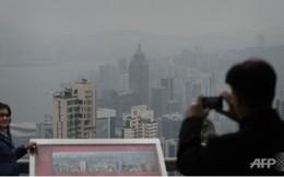 Dân Hồng Kông ngộp thở trong sương mù dày đặc