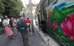 Thái Lan: Nhà cựu Thủ tướng Abhisit bị ném thuốc nổ