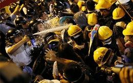 Bạo lực bùng phát trên đường phố Hồng Kông