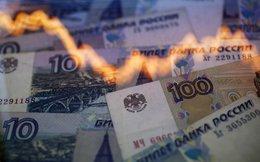"""""""Thảm họa"""" của đồng nội tệ Nga trong 1 biểu đồ"""