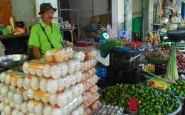 Vì sao người tiêu dùng phải mua trứng đắt?