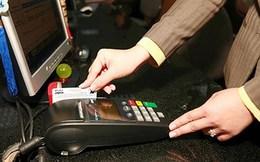Nhiều cửa hàng vẫn cố thu phí khách thanh toán bằng thẻ