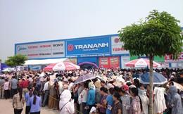 """Điện máy """"về tỉnh"""", hàng ngàn người xếp hàng chờ mua"""
