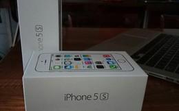 Tiếp viên Vietnam Airlines buôn lậu 50 chiếc iPhone 5S