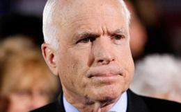 Thượng Nghị sĩ John McCain nói về 'một vấn đề đáng xấu hổ!'