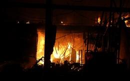 Bình Dương: Cháy rụi đại lý xe máy giữa đêm khuya