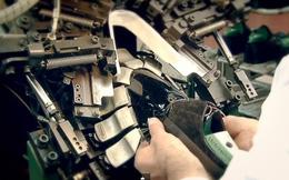 Cận cảnh quy trình gia công giày của Louis Vuitton