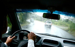 [Infographic] Những điều cần biết khi lái xe hơi trong mùa mưa