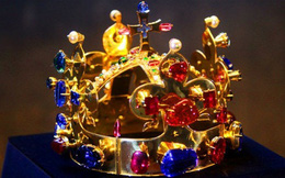 Chiêm ngưỡng những vương miện 'độc đáo' của vua chúa