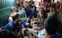Sẽ cấm kinh doanh bia vỉa hè