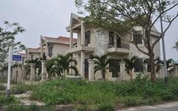 Đà Nẵng: Hoang tàn ở khu biệt thự ven sông Hàn