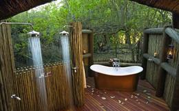 Phòng tắm ngoài trời làm dịu mát nắng hè