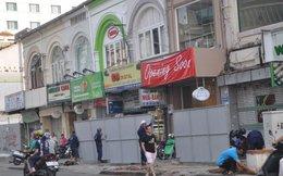 Hàng loạt cửa hàng đóng cửa ngày đầu rào đường Nguyễn Huệ