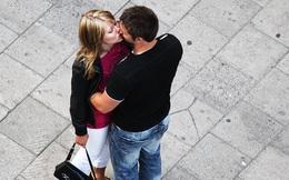 [Café tuần mới] Hãy cứ tới và hôn cô ấy đi!