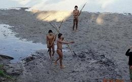 Bộ lạc bí ẩn ở Brazil lần đầu tiếp xúc với thế giới bên ngoài