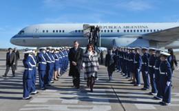 Tổng thống Argentina công du bằng máy bay đi thuê