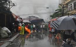 Cháy lớn ở chợ Nhà Xanh, quận Cầu Giấy-Hà Nội