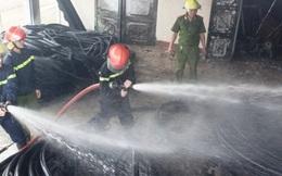 Cháy dữ dội kho vật tư Nhà máy cấp nước Hà Tĩnh