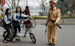 Áp dụng đăng ký xe máy điện, cán bộ và người dân đều lúng túng