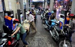 """Doanh nghiệp xăng dầu được """"nới"""" thêm quyền tăng giá"""