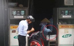 Lật tẩy thủ đoạn ăn cắp trắng trợn mới của nhân viên cây xăng