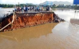 Cận cảnh cây cầu trên QL1A bị lũ dữ cuốn phăng