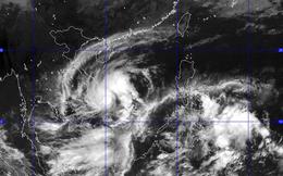 CẬP NHẬT bão số 4: Tâm bão trên vùng biển Bình Định-Phú Yên