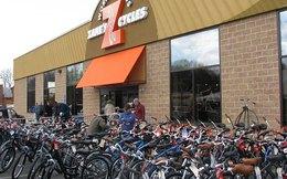 Đại gia xe đạp Zanes Cycle: Nếu khách hàng muốn mặt trăng, hãy mang đến cả vũ trụ