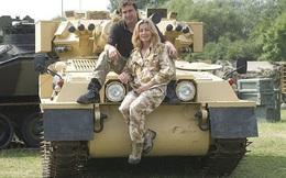 Vợ, Chồng và một Lữ đoàn tăng thiết giáp