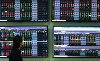 Thuế cổ tức bằng cổ phiếu: Nhà đầu tư thiệt, công ty chứng khoán rối việc