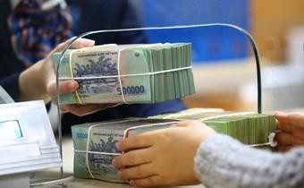 Lãi suất liên ngân hàng bất ngờ tăng mạnh, lãi suất huy động thì sao?
