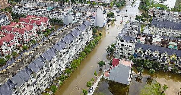 """Nỗi lo trộm cắp, ngập nước ở """"làng"""" biệt thự triệu đô Hà Nội"""