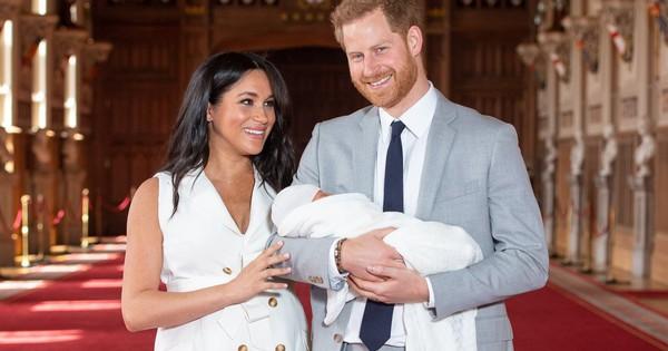 Nổi tiếng là chi tiêu mạnh tay, Meghan vẫn khiến nhiều người ''choáng váng'' khi biết chi phí chào đời ''khủng'' của hoàng tử bé