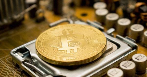 Bitcoin tiếp tục neo ở mức cao nhờ virus corona