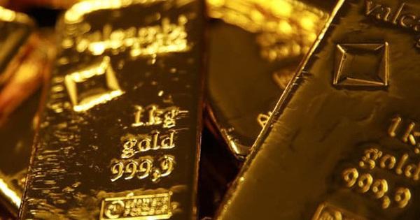 CNN: Lo sợ dịch Covid-19, giá vàng đang hướng đến đỉnh 2.000 USD/ounce, các Chính phủ cũng đang gom vàng?