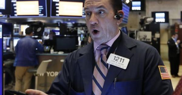 """Phố Wall hồi phục sau """"sóng gió"""", Dow Jones bứt phá hơn 1.000 điểm, S&P 500 ghi nhận diễn biến tích cực nhất kể từ tháng 12/2018"""