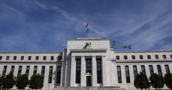 Fed hạ lãi suất xuống gần 0, cam kết mua vào 700 tỷ USD trái phiếu