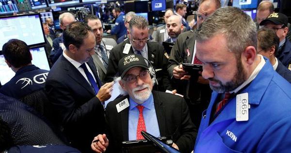 """Cựu Phó Tổng thống Mỹ dành chiến thắng """"vang dội"""" trong ngày """"siêu thứ Ba"""", Phố Wall hứng khởi, Dow Jones tăng vọt hơn 1.100 điểm"""