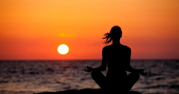 Tỷ  phú ''cổ vũ tinh thần'' Deepak Chopra: Khi thiền định, yoga không tác dụng, đây là cách cực đơn giản giúp bạn vượt qua căng thẳng