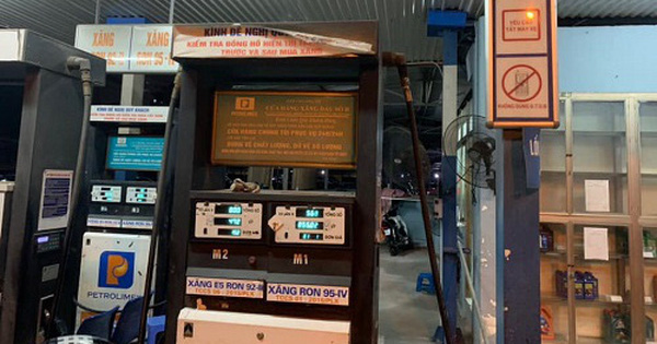 Phát hiện cây xăng ''găm hàng'' 20.000 lít xăng nhưng không bán cho khách tại Hà Nội