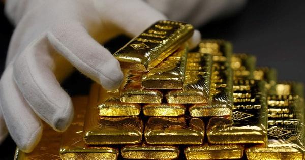 Giá vàng thế giới vượt mốc 1.800 USD/ounce, có quá muộn nếu ''nhảy'' vào thị trường lúc này?