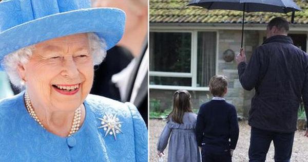 Bằng một bức hình mới được công bố, gia đình Công nương Kate đã chứng tỏ đẳng cấp khác biệt so với nhà Meghan, lại còn được lòng Nữ hoàng